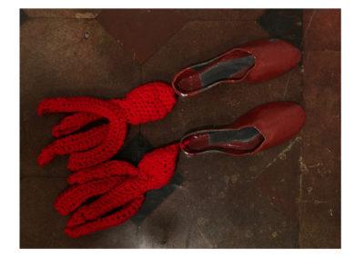 Barbara Aloisio - Prendo le misure del mio passo, ceramica raku, 2014, 35x25
